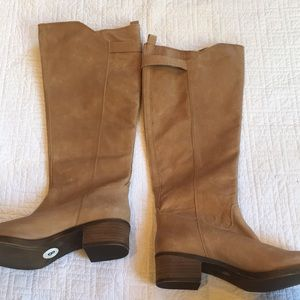 "NWOT LUCKY ""hillow"" boots"